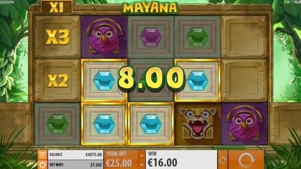 Призовая комбинация символов в игровом автомате Mayana